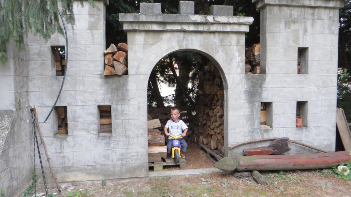 A gateway to Thine eternal Kingdom
